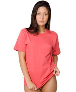 american apparel tshirt American Apparel Experiencing Financial Issues